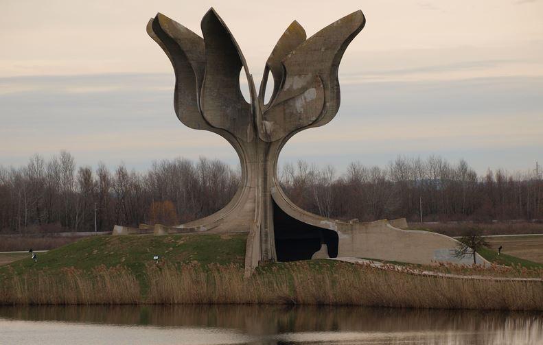 2020-04-06 17_03_53-jasenovac – Google-Suche